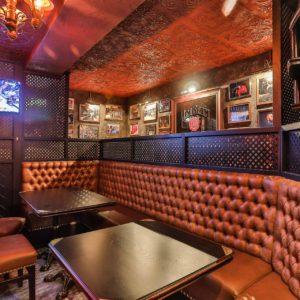 Stalelių rezervacija Resort Pub